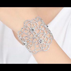 Glitz amd Glam Jewelry - ⭐️Crystal Bracelet⭐️
